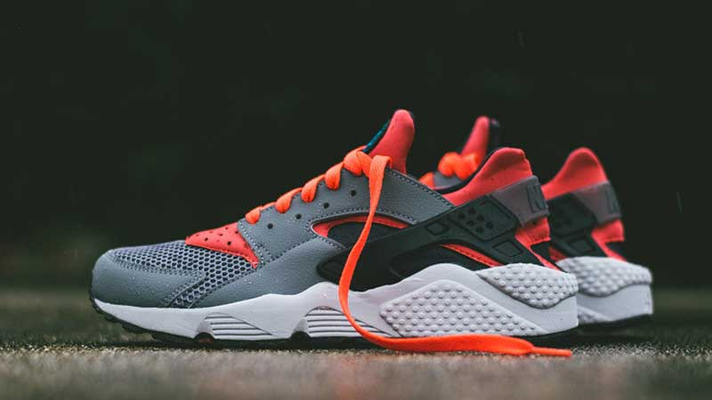Nike-Air-Huarache-Cool-Grey-Bright-Crimson