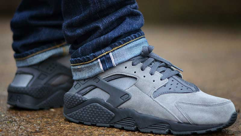 big sale b6aac 3d8fa Nike-Air-Huarache-LE-Cool-Grey