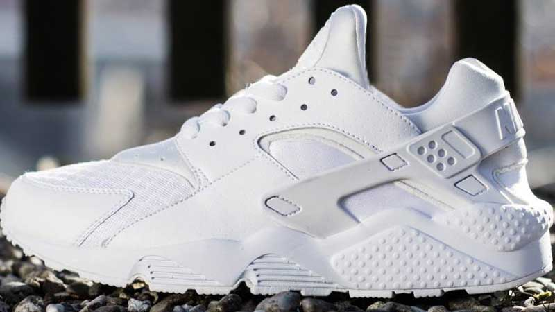 Nike-Air-Huarache-Triple-White