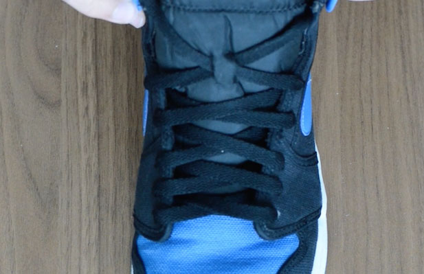 cross0ver-lacing-jordan-1