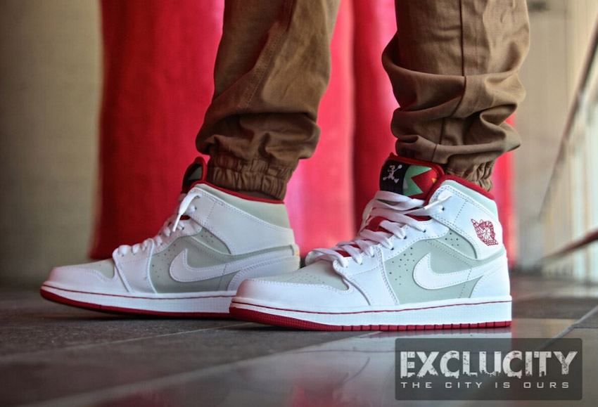 Nike Air Jordan 1 OG Hare Jordans on Feet 2
